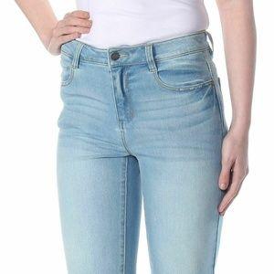 DKNY Shorts Flat Front Studded Back Denim Sz 28